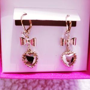Betsey Johnson Bow Heart Gold Earrings. NWOT.